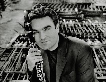 le compositeur allemand Jörg Widmann photographié par Felix Broede