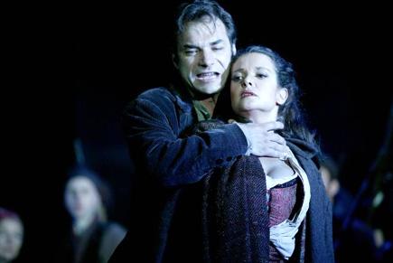 Carmen (Bizet) à l'Opéra de Lausanne : Nikolaï Schukoff et Isabelle Cals