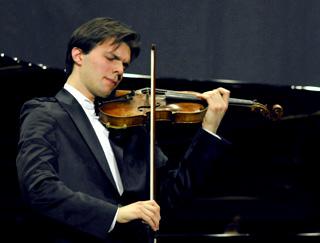 le jeune violoniste Diego Tosi en récital au MIDEM 2008, Cannes