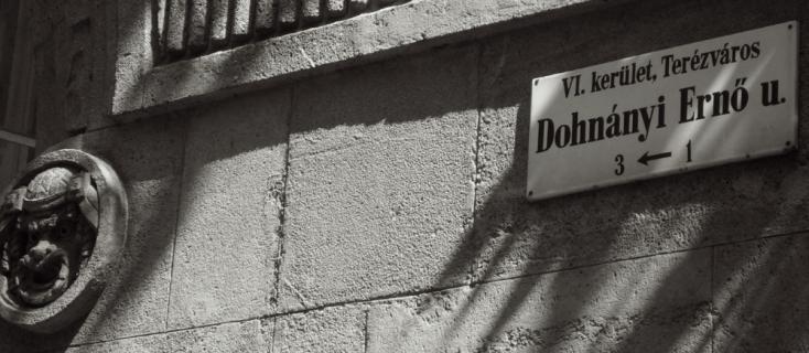 Dohnányi utca (avenue Dohnányi) à Budapest, photographie de Bertrand Bolognesi
