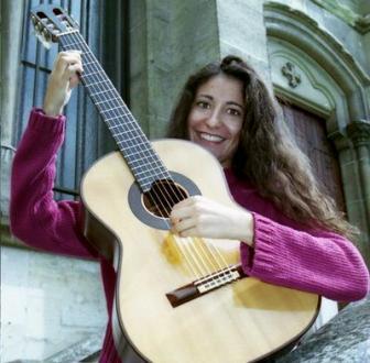 la guitariste Filomena Moretti en récital au Théâtre des Abbesses, Paris