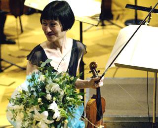 l'excellente violoniste Hae-Sun Kang, soliste de l'Ensemble Intercontemporain
