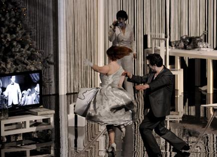 Das lange Weihnachtsmahl, opéra d'Hindemith vu à Fontainebleau