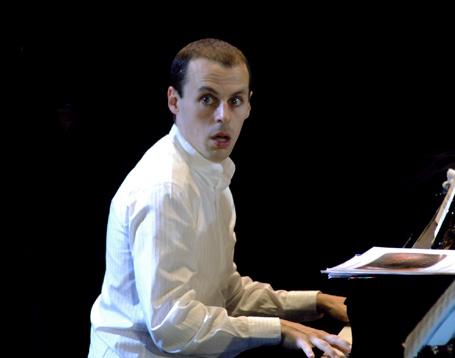 le jeune pianiste Julien Quentin, très présent au Festival de Verbier (Suisse)