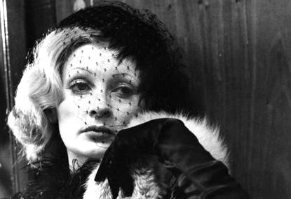 Ingrid Caven, photographiée sur le tournage de La Paloma, par Renato Berta
