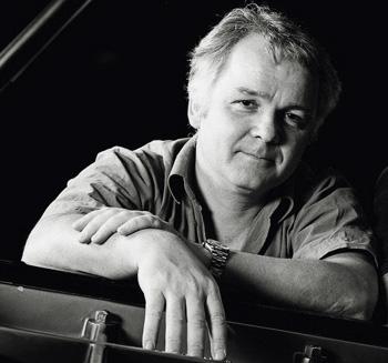 le pianiste hongrois Károly Mocsári