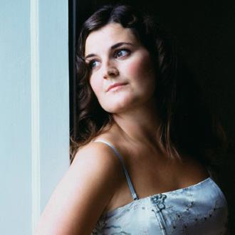 la cantatrice Klara Ek photographiée par Sussie Ahlburg