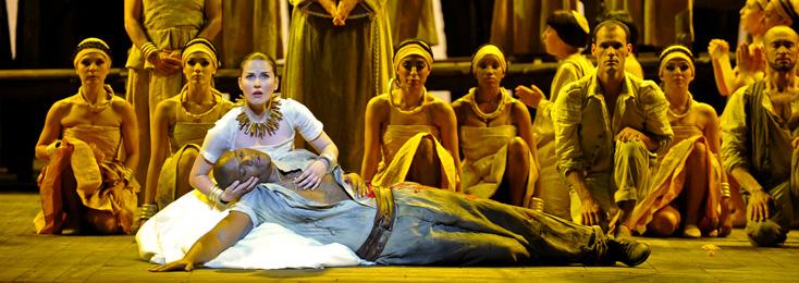 Kate Whoriskey met en scène Magdalena de Villa-Lobos au Châtelet (2010)