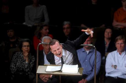 Gert Mothes photographie Yannick Nézet-Séguin au festival Mahler de Leipzig