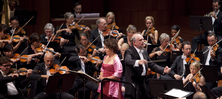 Yunus Durukan photographie Marek Janowski et l'Orchestre de la Suisse Romande