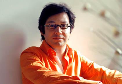 le compositeur argentin Oscar Strasnoy photographié par Martin Felipe