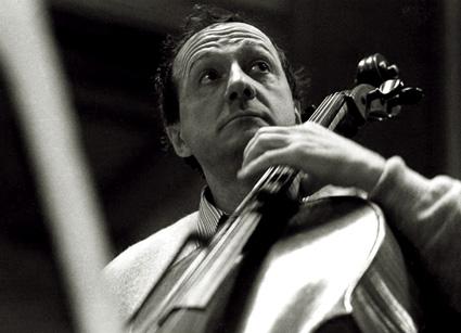 le violocelliste hongrois Miklós Perényi photographié par Andrea Felvégi