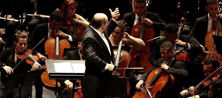 Cláudio Cruz dirige l'Orquestra Jovem do Estado de São Paulo au Festival Berlioz