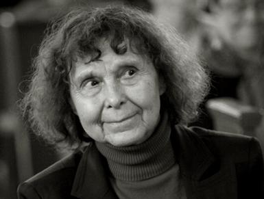 la compositrice Sofia Goubaïdoulina dont l'Orchestre de l'Opéra joue la musique