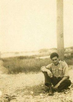 Edgar varèse, photographié au Mexique en 1926 (Fondation Sacher, Bâle)