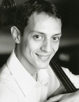 le violoncelliste Xavier Philips photographié par Céline Nieszawer